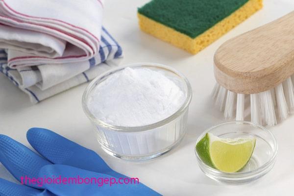 vệ sinh đệm bông ép bằng bột baking soda